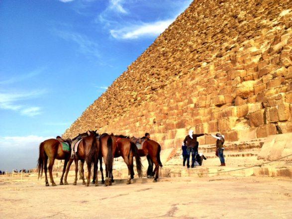 Fist bump at the pyramids