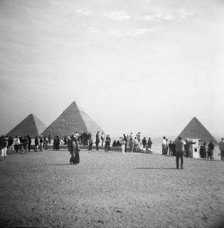 Tourists at the pyramids