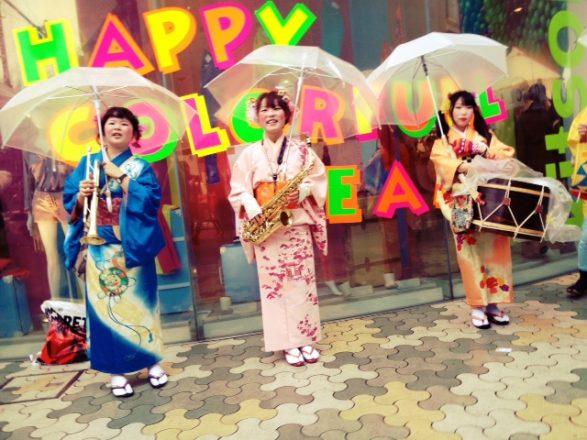 Harajuku girls outside Laforet Harajuku mall