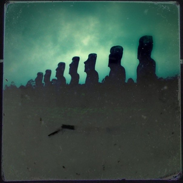 887 extant monumental statues, called moai, created by the early Rapanui people