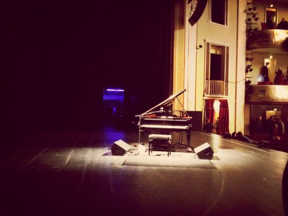 The Steinway piano onstage after Randy Newman's show at the Admiralspalast. (2)