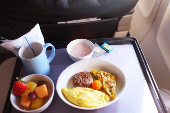 Breakfast LAX-IAD, United First