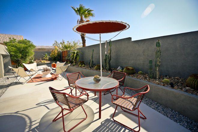 Hotel Lautner - groovy outdoors bbq area