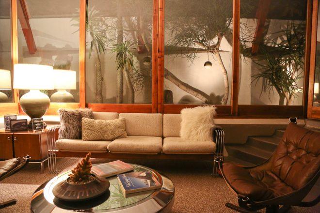 Hotel Lautner room - groovy lounge area